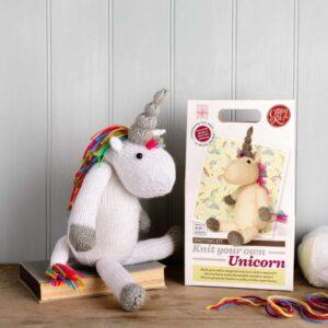 knit your own unicorn -box